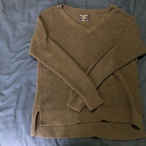 ABERCROMBIE & FITCH GREEN V-NECK SWEATER SIZE XS